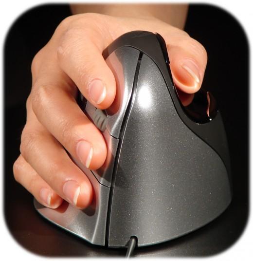 Op zoek naar een extra ergonomische muis? Bekijk de Evoluent VerticalMouse 4 eens