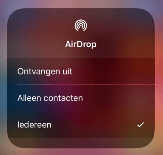 Kies uit Ontvangen uit, Alleen contacten, of Iedereen voor AirDrop