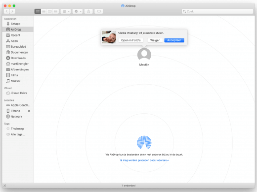 Een AirDrop-verzoek terwijl er al een AirDrop Finder-venster open is